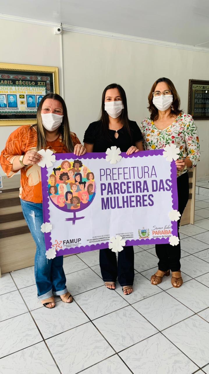 Prefeita Simone Azevedo participa da Adesão ao Selo Social Prefeitura Parceira das Mulheres